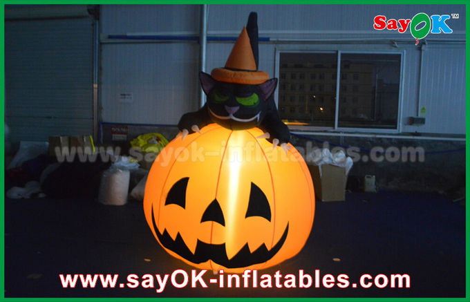 Durable Halloween Inflatable Holiday Decorations Pumpkin Cat With Led Lighting